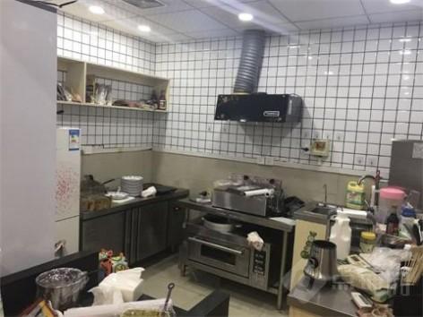 青岛路新装修小吃店转让