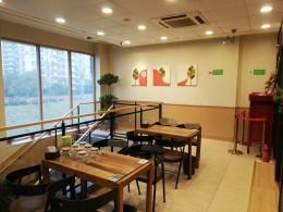 柳州东路地铁口商业街营业中餐饮旺铺转租